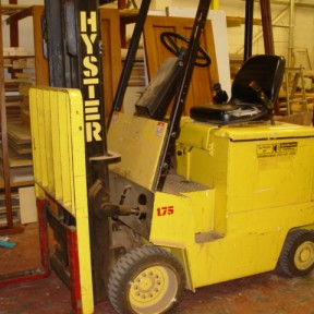 HYSTER E1.75 XL electric fork lift truck Image 1